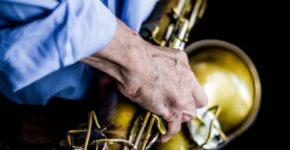 Artikelgrafik: Kauf eines Saxophons